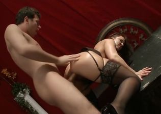 Hard-core dame gone insatiable